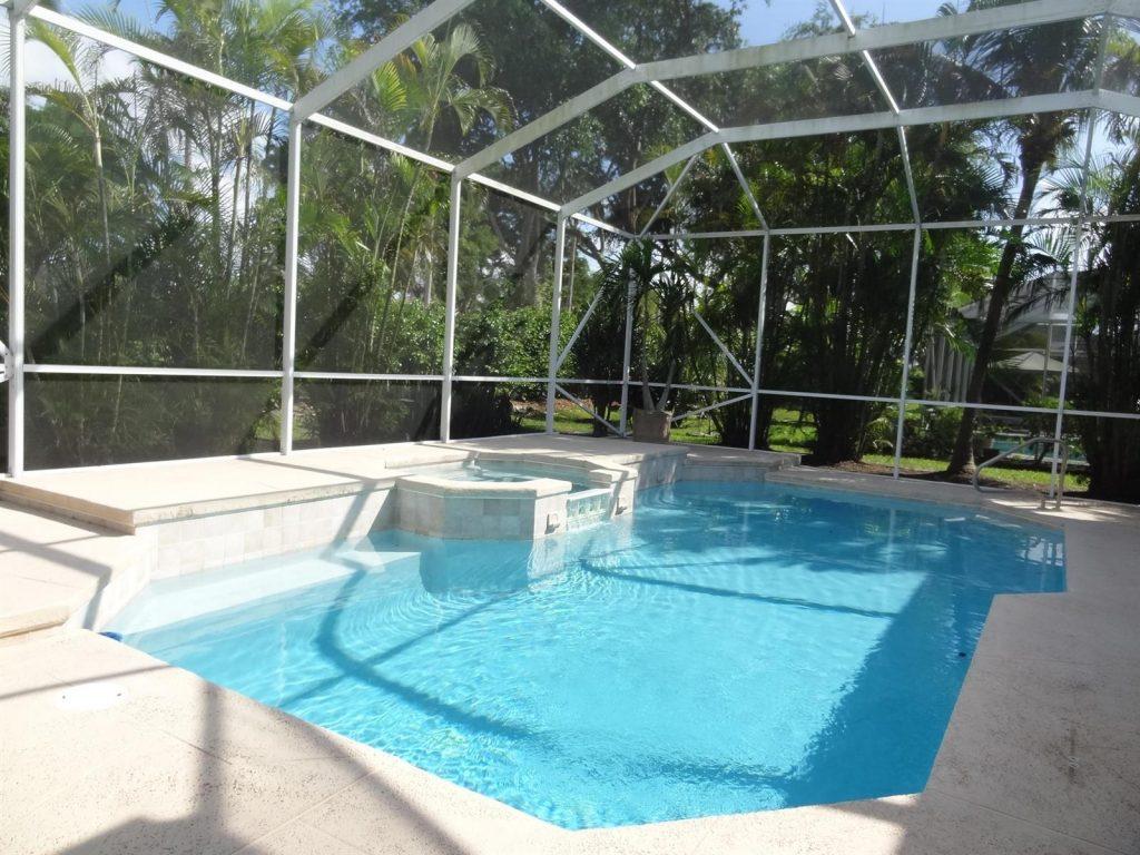 Yenilenmiş SPA'lı havuz